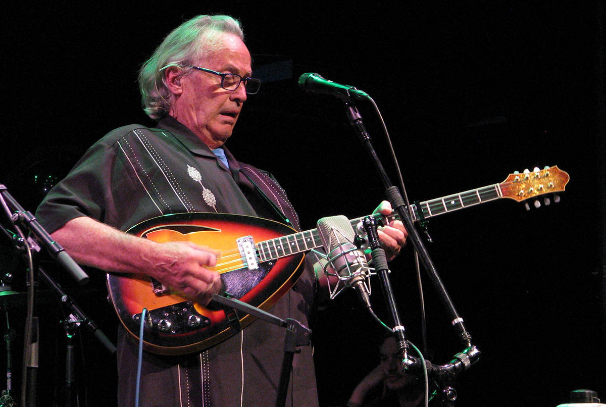 Ry Cooder performing with Ricky Skaggs and Sharon White, McGlohon Theater, Charlotte, NC, August 19, 2015. Photo via Wikimedia Commons